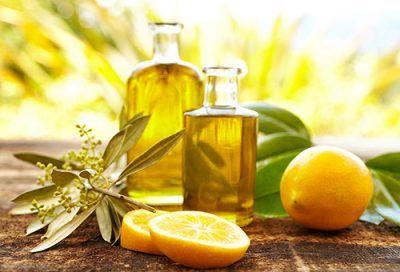 Як проводиться чистка печінки оливковою олією і лимонним соком?